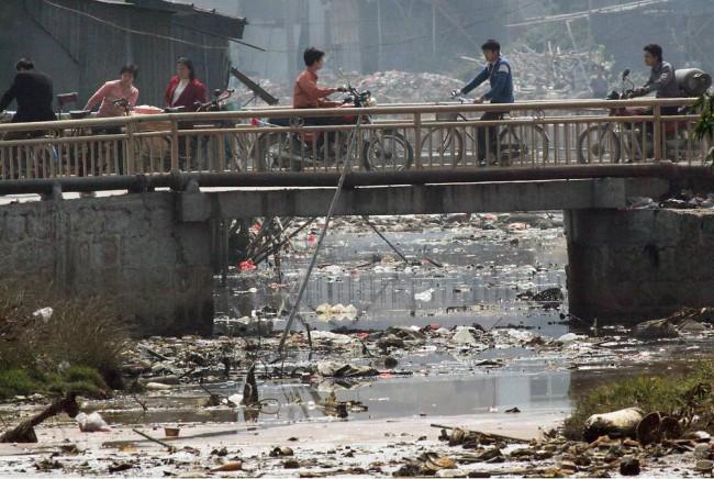 Еще одна «река жизни», а ведь эта вода также потом используется жителями города