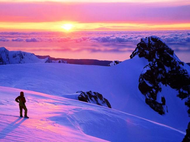 Ледник Фокса берет своего начало в Новозеландских Альпах