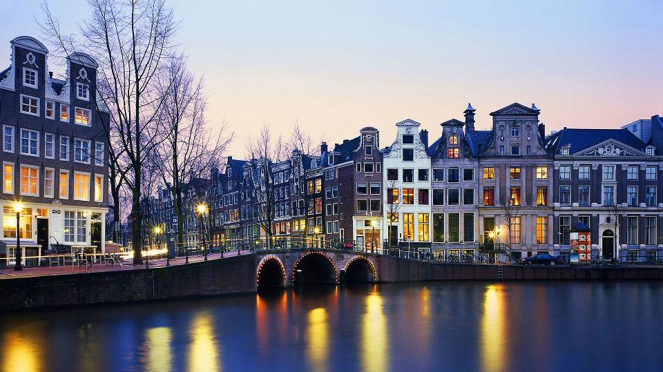 Снять трансексуала в амстердаме