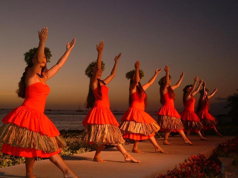 танцы кругом фото при этом тематика