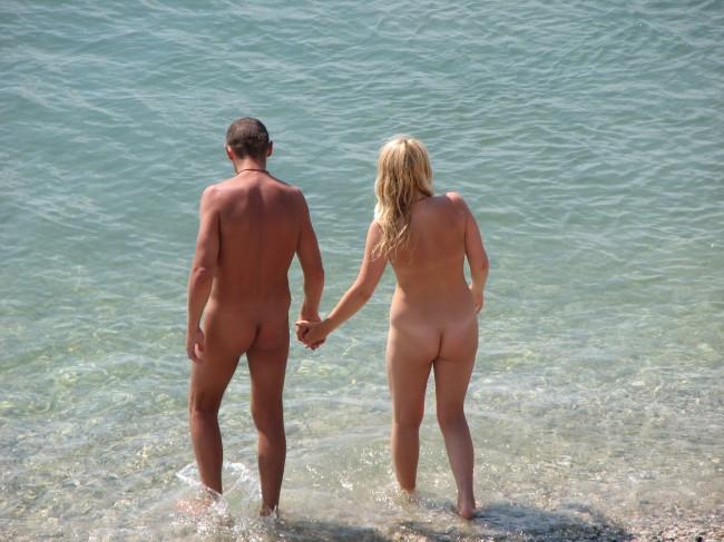Возможно поблизости от вашего дома есть именно такой пляж, а вы даже и не ведаете