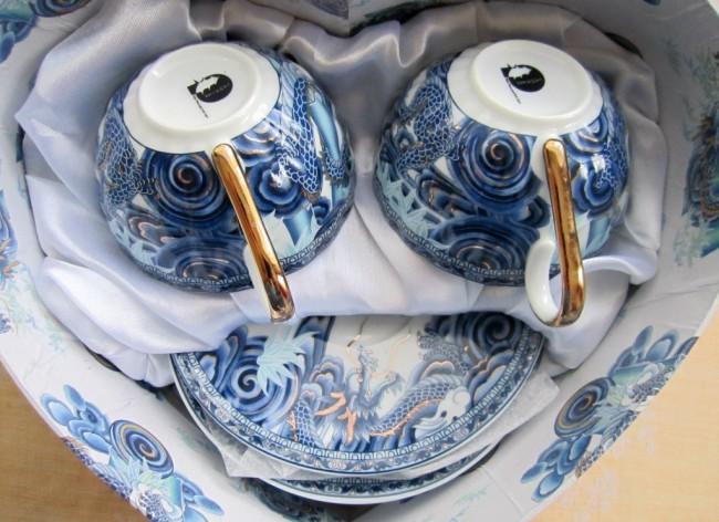 Если хорошо упакуете сервиз, то сможете провезти даже китайский фарфор